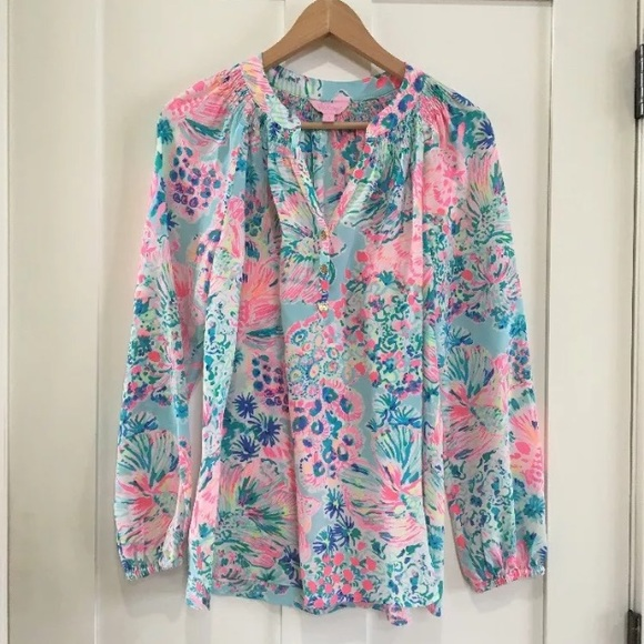 0ead459dde9af6 Lilly Pulitzer Tops - [Lilly Pulitzer] Elsa Lion Fish Silk Blouse Top